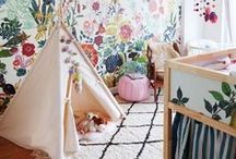 Girls Room Decor Ideas / Bedroom design ideas for girls - enjoy a room that is comfortable and an expression of their personalities.