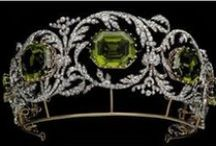 Tiaras and crowns / For everyday princesses and other shameless romantics