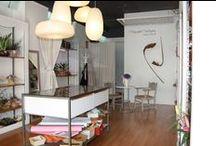 Floristeria en Cardedeu / El reto de esta tienda es que había que aprovechar el mobiliario existente al máximo sin restar carácter al nuevo uso