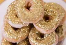 Desserts / Wedding desserts, sweets & candy buffet ideas for your sweet tooth!