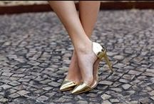 Gold / Even more sparkly goodness. ISWAI loves gold!