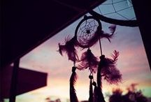 Feathers / ISWAI loves all things feather related, from dreamcatchers to jewels.