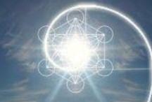 Geometry /  Sacred Geometry, Der goldene Schnitt, 1:1.618, Spiral, Fraktal, Formen, usw.  / by Mika I. ♪