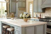 Kitchens / by Lisa Smythe