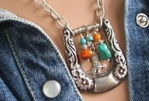 Crafty Jewelry / A collection of ideas and projects for making jewelry.