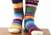 to keep my toes warm / wool socks to knit