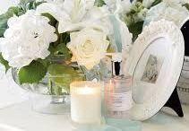 Tables, vanity, windows flower deco ideas / Flowers, candles, books, mirrors etc. ... Decor arrangement ideas I never thought about.