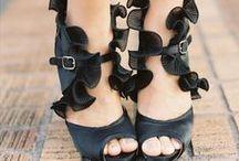 Girl Loves Shoes