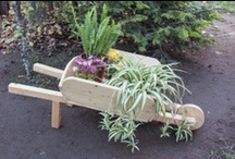 Planter Box Plans / Easy to follow instructions and detailed planter box plans. If you want to learn how to build a planter box, make sure you take a look over these diy pictures.