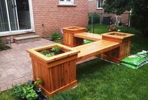 Free Garden Bench Plans / Step by step instructions about how to build a garden bench. Invest in high quality materials and select the right free garden bench for your needs.