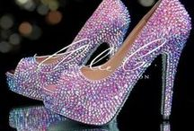 Cinderela steps... / shoes!