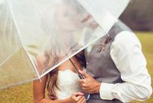 Wet Weather Wedding Tips / This just shows that not even a rainy day can spoil your wedding...