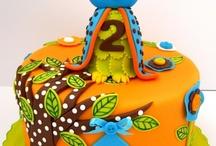 Sweet Ideas / by Krumbs Cake Studio