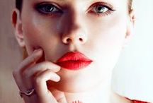 Beauty Coaching: red lips / Creating a focus point, stand up in the crowd!