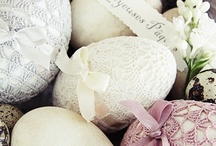 Easter Inspiration / Inspiration from easter: eggs, chiken, flowers, rabbit, painted eggs.