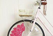 Decoración con Bicicletas. / #Recicla tus componentes o #bicicletas viejas para conseguir un espacio único y #divertido en tu #casa.  #Consejos de #Decoración Lobiks.com