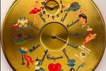 Vintage Accesories / Gloves, compacts, hankies, etc.  / by Laura Ashworth
