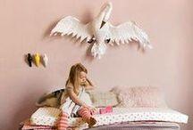- Chambre d'enfants / Kids - / De la naissance à l'âge presque adulte, notre chambre est notre jardin secret, un endroit qui n'appartient qu'à nous... Bienvenue dans ce monde de rêve !