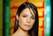 Holly Marie Combs ! / Holly Marie !  1973. december 3. (életkor 43), San Diego, Kalifornia, Egyesült Államok