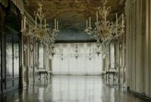 Palace / Palaces and castles, old, luxury, historical spaces. Art paintings and sculptures at home. Drapery ideas.