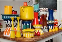Vintage Enamelware / ENAMEL HOME DECOR yes please.