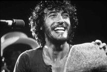 Bruce Springsteen Vintage / I love Bruce Springsteen, especially the young one, especially in black and white. Aiming for the bestest vintage Bossboard on Pinterest. Stay tuned!