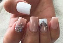 Nails / ♥ Only if I were to be this good at painting nails ♥
