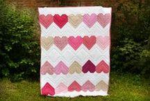 Quilts - patchworkové deky / Můj největší zdroj inspirace při tvorbě: obří nástěnka, do které velmi často přidávám nové piny a která je věnovaná quiltům - patchworkovým dekám