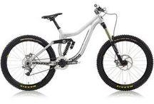 Bikes & Motos