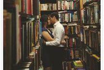 Love of the Bookworm / Heroes and Heroines of Romance Novels Who Love to Read