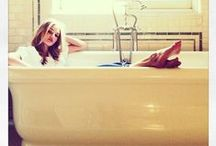 Interior || baths & showers / Hanging out like a goddess