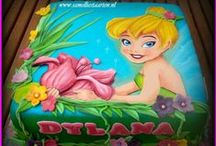 Girls & highschool Girls cakes / Bellos y hermosos queques para el genero femenino. / by alejandra hernandez guzman