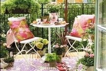 Den farverige altan / Er du vild med farver? Og vil du have inspiration til den farverige altan? Så kig med her på Pinterest og på Altan-Inspiration.dk. Vi ses!