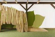 """Kita """"Löwenherz"""" / Da in der Kita Löwenherz Kinder inklusiv betreut werden, wurde bei der Neugestaltung der Räume besonderer Wert auf eine sanfte Farbwelt gelegt. Die sandfarben, grün oder blau gestalteten Bereiche definieren Spielräume für die verschiedenen Aktivitäten des Kita-Lebens. Helle Hölzer und zarte Textilien finden sich in allen Bereichen wieder und unterstreichen den natürlichen Eindruck der Räume."""