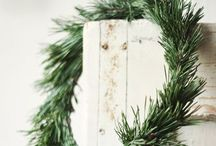 Holiday Gathering / Christmas decoration ideas - Great crafts, ornaments, christmas stockings.  Beautiful Christmas ideas Rustic natural Christmas decorations