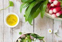 bärlauch rezepte   wild garlic recipes / Bärlauch Rezepte – von Butter über Dip, bis Gnocchi und Brot. so aromatisch und lecker!  ❤︎  Recipes with wilrd carlic: butter, dips, gnocchi, bread and more. So tasty!
