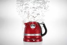 KitchenAid Artisan Kettle / Add a pop of colour to your kitchen with this curvaceous, inviting design