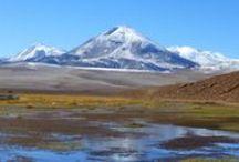 Deserto do Atacama - Chile / O viajante se sente pequeno diante da grandiosidade da natureza no Deserto do Atacama. Tudo é amplo, mágico e misterioso nesta terra com um dos climas mais áridos do mundo!