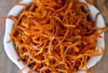 Spiralizing / A collection of spiralizing gadgets, equipment and recipes