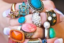 ACCESSORISE, ACCESSORISE, ACCESSORISE / Accessories that can change any look