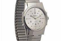 Relógios para Cegos / Já viu relógios para cegos? Além de funcionalidades diferentes, eles também possuem design atraente. Confira alguns!