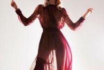 Fehér Szalon / The Red Dress / Szalonunkban megtalálható Nora Sarman alkalmi ruhák