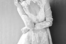 Fehér Szalon / Little White Dress / Nora Sarman rövid menyasszonyi ruhái a Fehér Szalon kínálatából