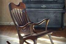 Chaise berçante Ekko / Chaise berçante de fabrication artisanale faite au Québec par un ébéniste. Nous expédions dans le monde. www.chaiseetbercante.com