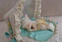 Baby fondant cakes / by Silvia Escriva
