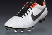 Soccer shoes & futsal shoes