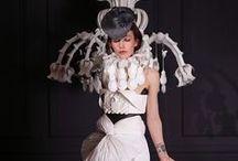 Paper Couture / Paper Dresses von Tobias Binderberger   von 2007 - heute
