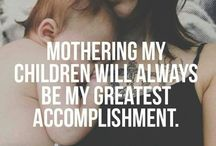 MOMLIFE / All about moms, momlife, motherhood