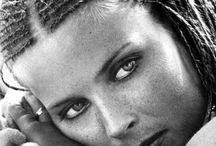 Women / by Scaryman Inbushes