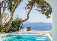 Santorini / Cave house